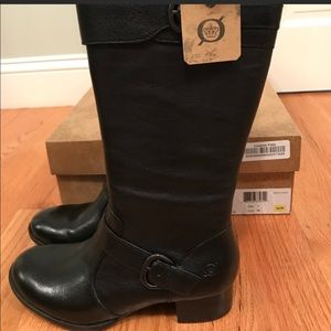 Born Women's Kenzie Boot, size 7/38